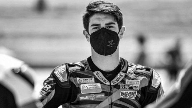 Patnáctiletý španělský jezdec Dean Berta Viňales zahynul při havárii v motocyklovém závodu kategorie Supersport 300 v Jerezu.