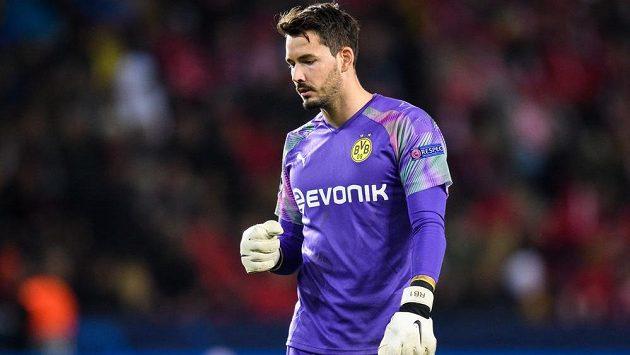 Brankář Dortmundu Roman Bürki.