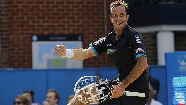 Radek Štěpánek se na turnaji v Londýně postaral o senzaci. Ve dvou setech zdolal Brita Andyho Murrayho.