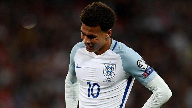 Anglický záložník Dele Alli v kvalifikačním zápase proti Slovensku.