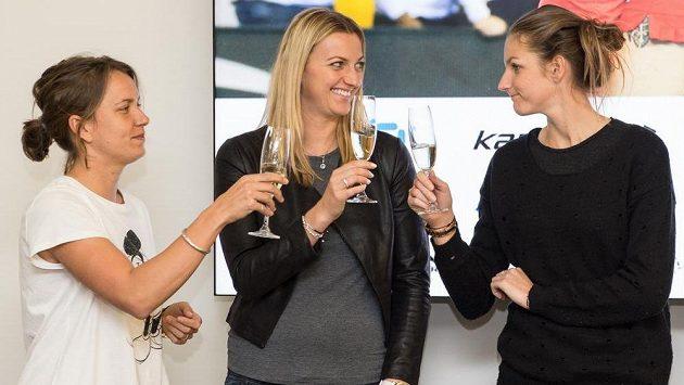 Z Česka je tenisová velmoc. Symbolicky by si na to mohly připít hvězdy Barbora Strýcová, Petra Kvitová, Karolína Plíšková.
