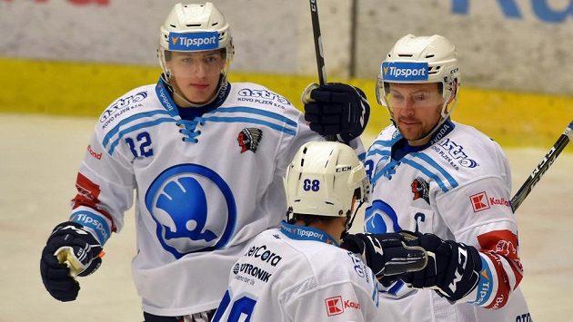 Zleva Sebastián Malát, Petr Kodýtek a Petr Straka z Plzně.