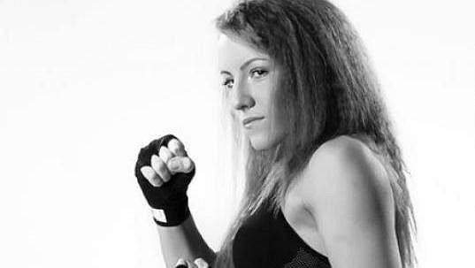 Ruská šampionka v thajském boxu Kristina Mjalinová je po smrti.