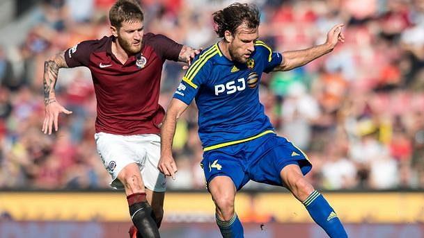 Michael Rabušic (vpravo) opouští Jihlavu a bude působit v maďarské lize.