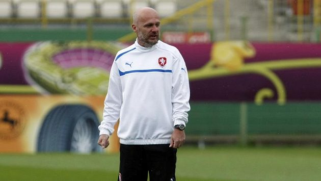 Michal Bílek na tréninku fotbalové reprezentace.