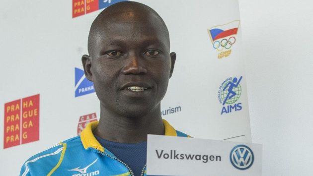 Keňský vytrvalec Albert Kiplagat Matebor je hlavním favoritem pražského maratónu.