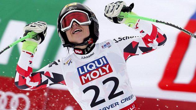 Radost Anny Fenningerové v cíli superobřího slalomu na MS v Beaver Creeku.