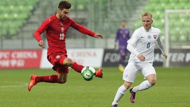 Zleva Michal Trávník z ČR a slovenský hráč Tomáš Brigant.