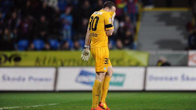 Zklamaný liberecký brankář Lukáš Hroššo poté, co inkasoval v Plzni čtvrtý gól.