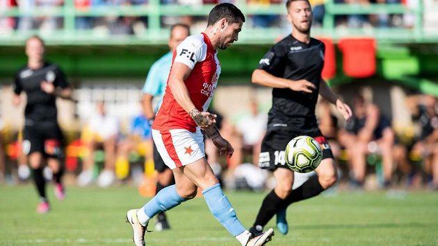 Nicolae Stanciu střílí gól na 4:0 během svého premiérového utkání za Slavii.