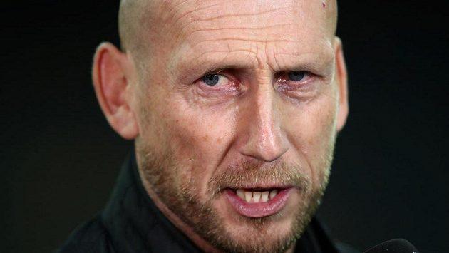 Bývalý fotbalista Jaap Stam odstoupil z pozice trenéra Feyenoordu Rotterdam.