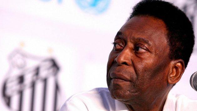 Pelé - brazilská legenda a jeden z nejlepších fotbalistů planety.