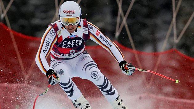 Německý sjezdař Josef Ferstl během závodu.
