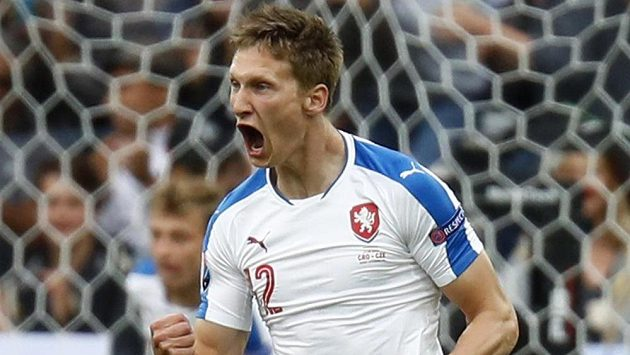 Milan Škoda se raduje z gólu, který dal na ME Chorvatům.