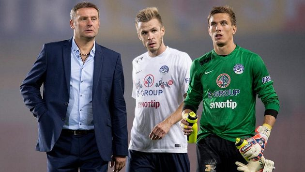 Zleva trenér Slovácka Svatopluk Habanec, Stanislav Hofmann a brankář Milan Heča (ilustrační foto).