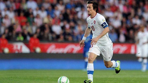 Český záložník Tomáš Rosický během utkání kvalifikace MS proti Itálii.