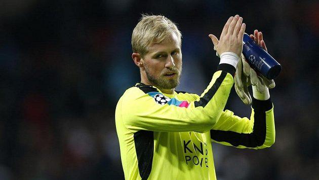 Dánský brankář v dresu Leicesteru Kasper Schmeichel.