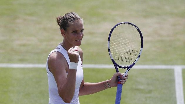 Karolína Plíšková se raduje z postupu do osmifinále Wimbledonu