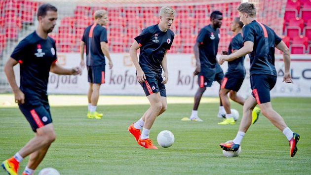 Fotbalisté Slavie se chystají na odvetu s Levadií Tallinn.