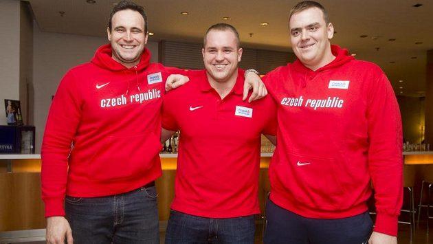 Koulaři (zleva) Jan Marcell, Tomáš Staněk a Ladislav Prášil v Praze na srazu českého týmu před HME v atletice.