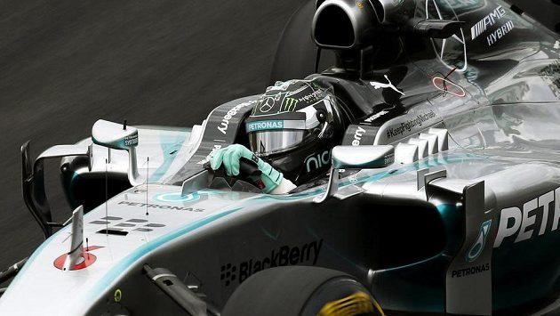 Německý pilot Nico Rosberg se svým mercedesem ovládl kvalifikaci na Grand Prix Brazílie v Sao Paulu.