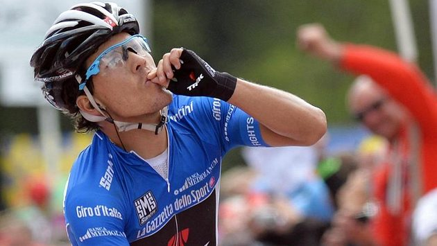 Kolumbijský cyklista Julián Arredondo slaví vítězství v 18. etapě Gira d´Italia.