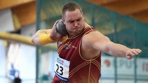 Koulař Tomáš Staněk během loňského halového mistrovství republiky.