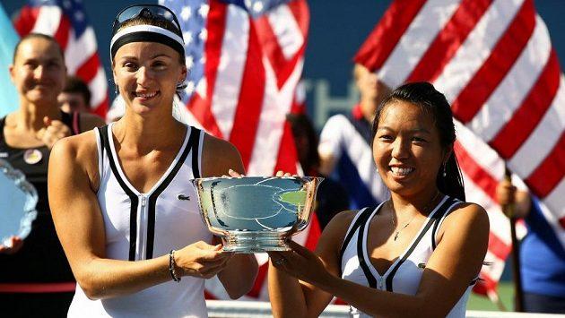 Vania Kingová (vpravo) ovládla spolu s Jaroslavou Švedovovou US Open.