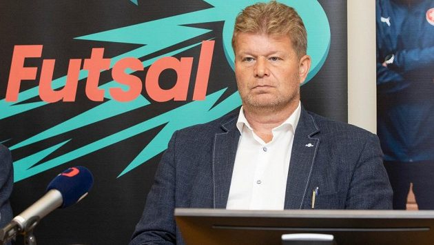 Trenér futsalové reprezentace Tomáš Neumann věří, že český tým na zářijovém mistrovství světa v Litvě může uspět.