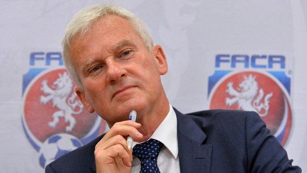 Šéf Komise rozhodčích Michal Listkiewicz.
