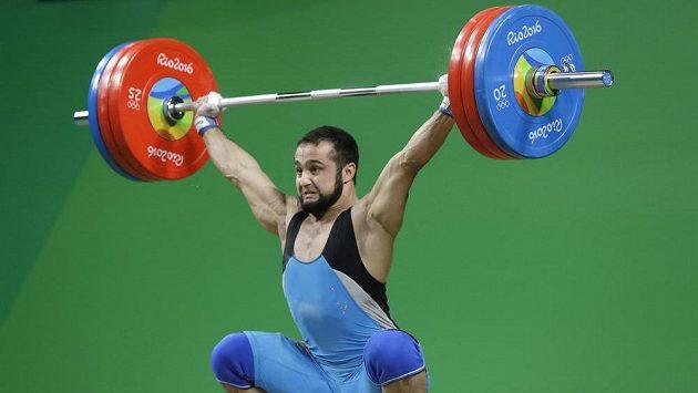 Kazach Nijat Rahimov vybojoval zlato v nadhozu v kategorii do 77 kg.