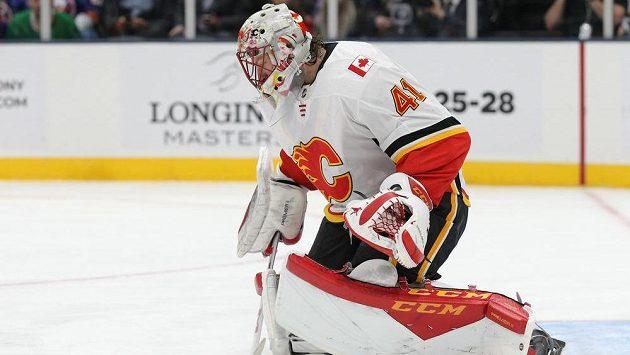 Gólman Calgary Mike Smith.