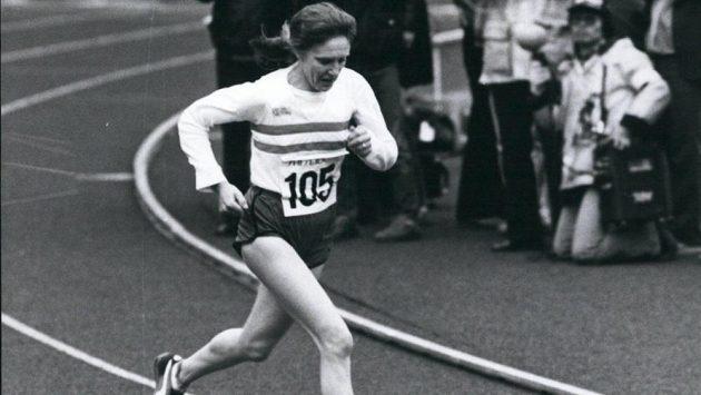 Britka Joyce Smithová, pionýrka maratónu.