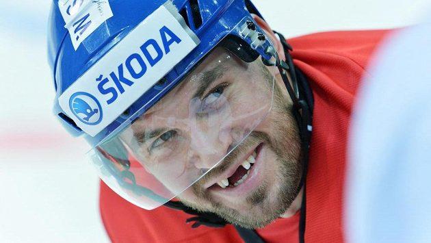 Radek Smoleňák při tréninku české hokejové reprezentace před druhým zápasem s Ruskem.