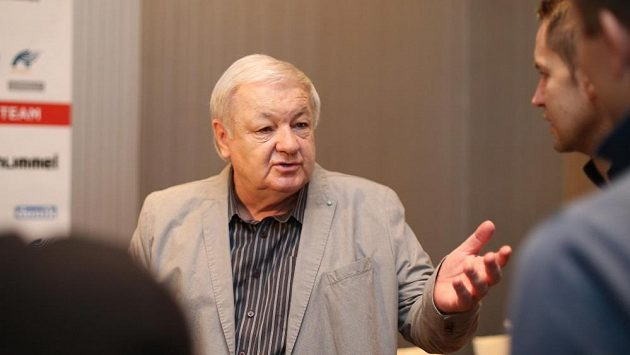 Český trenér Milan Máčala