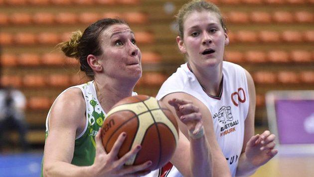 Zleva Edita Šujanová z Brna a Kyara Linskensová z Nymburka.