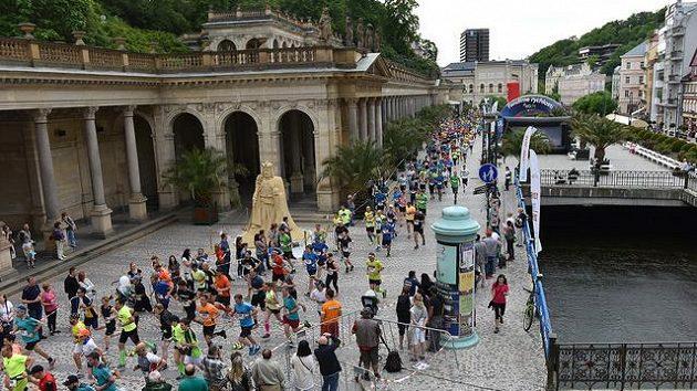 Trať půlmaratónu v Karlových Varech zavede běžce i do nejatraktivnějších koutů lázeňského města.