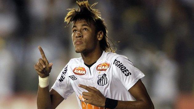 Neymar oslavuje jednu ze svých branek