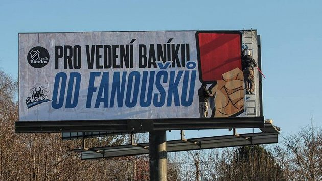 Ostravští příznivci vystavili vedení Baníku Ostrava červenou kartu. Protestovali také v sobotní generálce proti Myjavě.