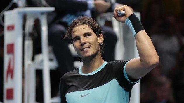 Rafael Nadal se raduje po vítězství nad Andym Murraym na Turnaji mistrů v Londýně.