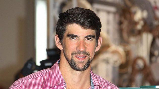 Plavec Michael Phelps oznámil, že restartuje kariéru.