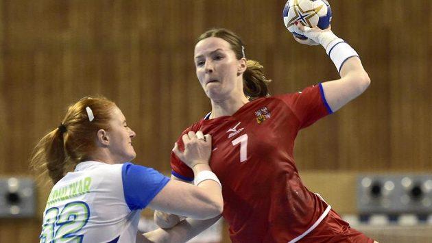 Slovinka Lina Krhlikarová (vlevo) brání Helenu Ryšánkovou (ilustrační foto)
