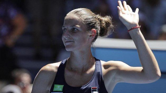 Spokojená Karolína Plíšková. S Brazilkou Beatriz Haddadovou Maiaovou neměla česká jednička ve 2. kole Australian Open žádné problémy. Vyzraje i na Šafářovou?