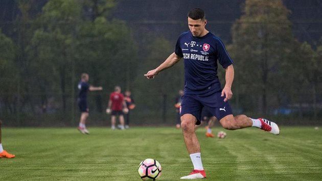 Fotbalista Marek Suchý na tréninku české reprezentace před utkáním o třetí místo na přípravném turnaji China Cup v čínském Nan-ningu.