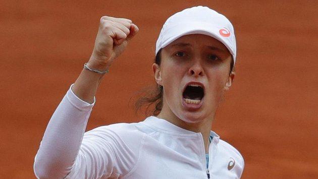 Polka Iga Šwiateková v semifinále French Open.