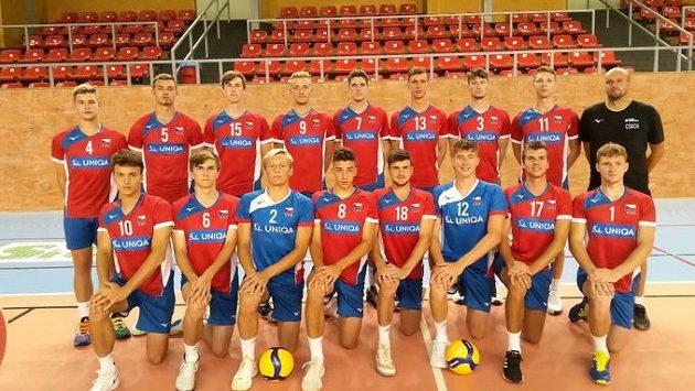 Česká volejbalová reprezentace do 20 let je na domácí šampionát připravena.