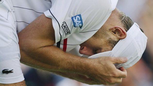 Nešťastný Andy Roddick po zápase s Del Potrem.