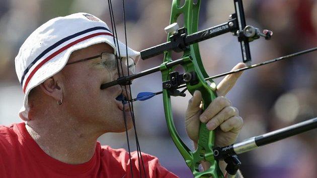 Americký lukostřelec Jeff Farby porazil na paralympiádě Čecha Davida Drahonínského.