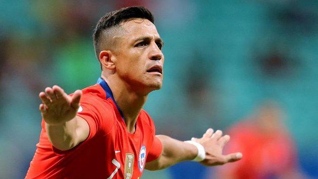 Alexis Sánchez se raduje z gólu proti Ekvádoru.