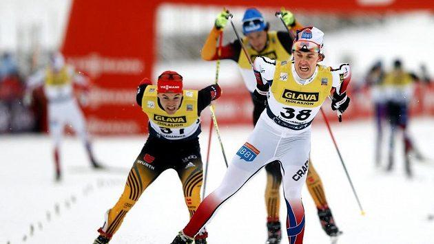 Norský sdruženář Mikko Kokslien (38) v cíli desetikilometrového běhu v Lillehammeru.